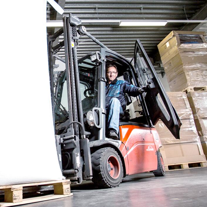 uniplast Visual Mitarbeiter Logistik